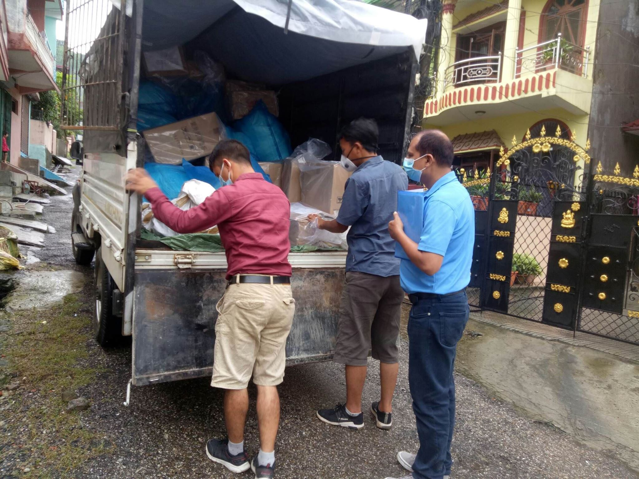 COVID-Response-support-items-being-delivered-by-DF-Staffs