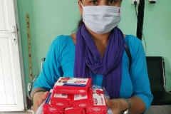 Healthworker-distributing-Cloth-masks-and-soaps-for-TB-and-Leprosy-patients-and-their-families-